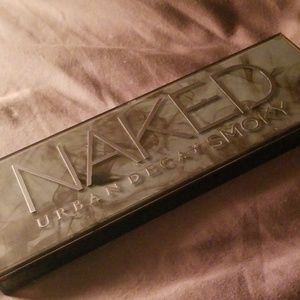 Urban Decay Makeup - 2 naked Urban Decay eyeshadow palette.....